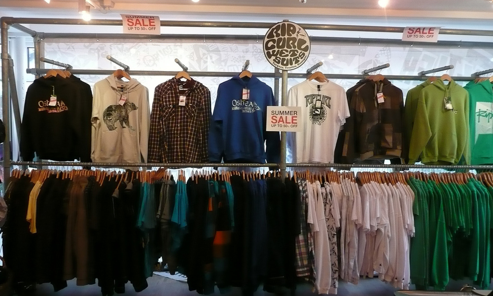 5 Tips To Save Money Buying Clothes