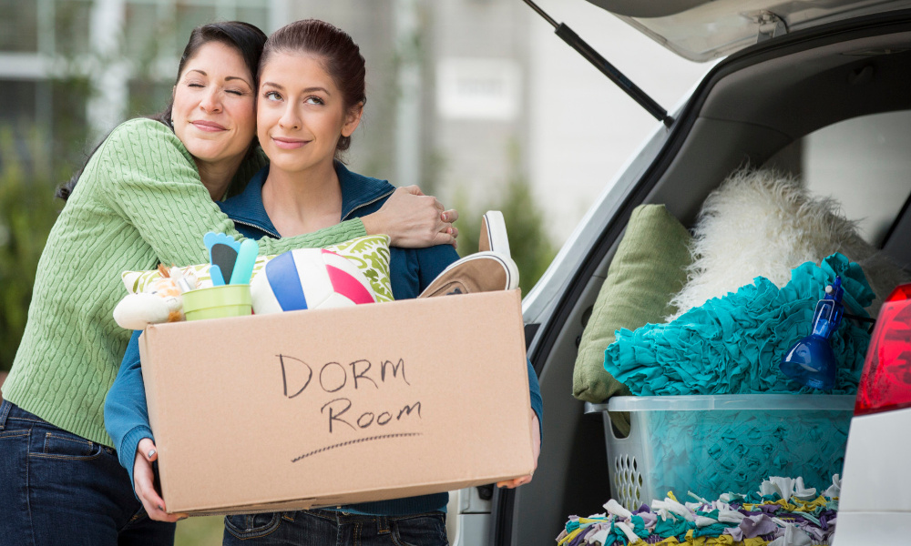 10 College Dorm Room Essentials All Students Need