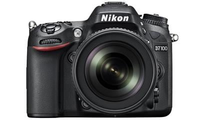 Nikon D7100 Digital SLR Camera plus 18-105mm Lens