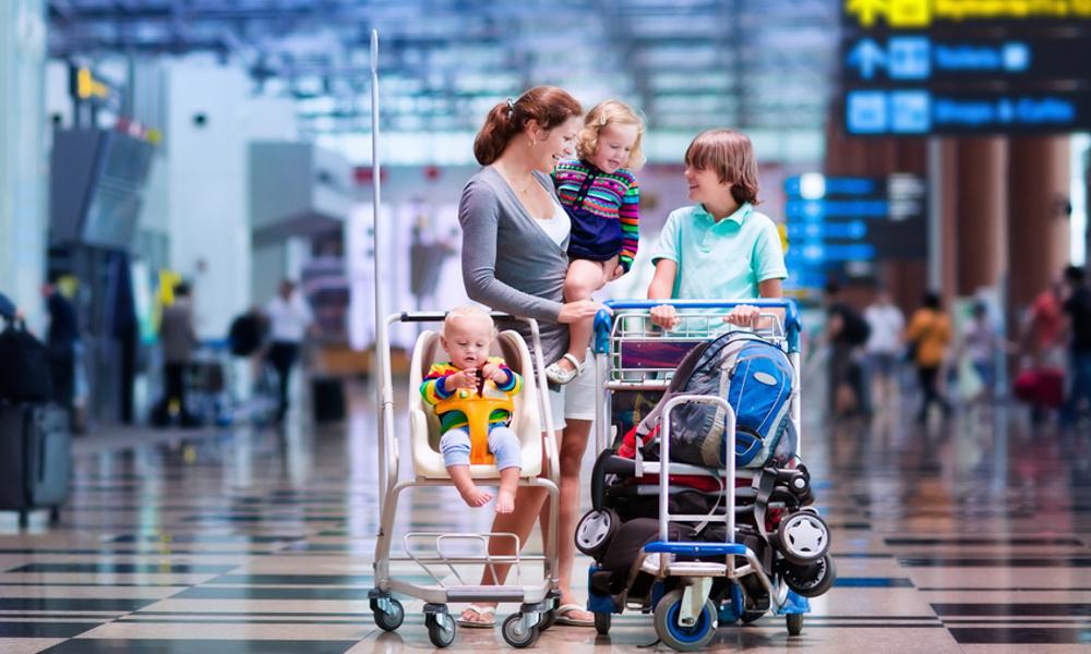 3 Ways to Save Money on Travel This Holiday Season
