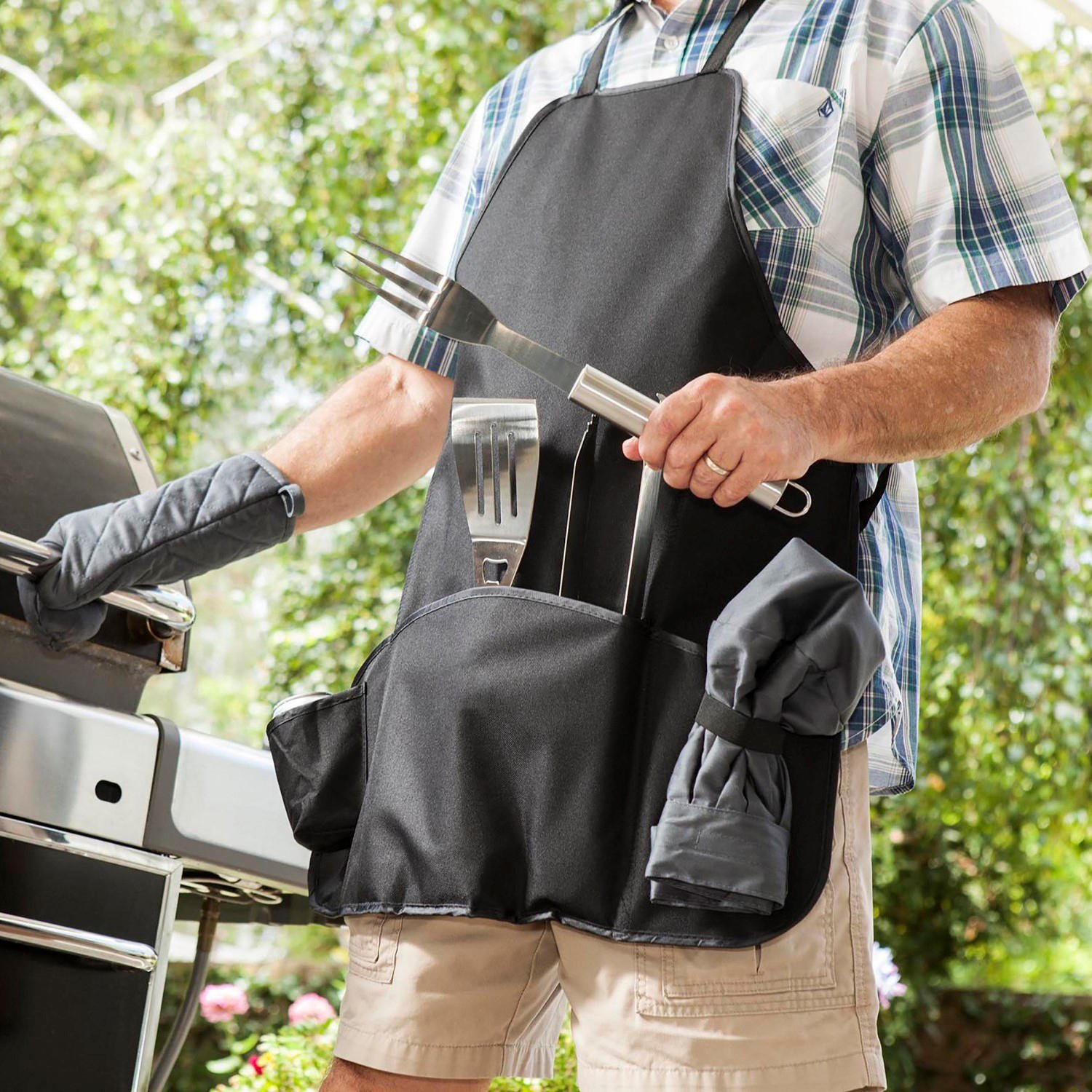 Picnic Time Grilling Master Chef Apron and Tools
